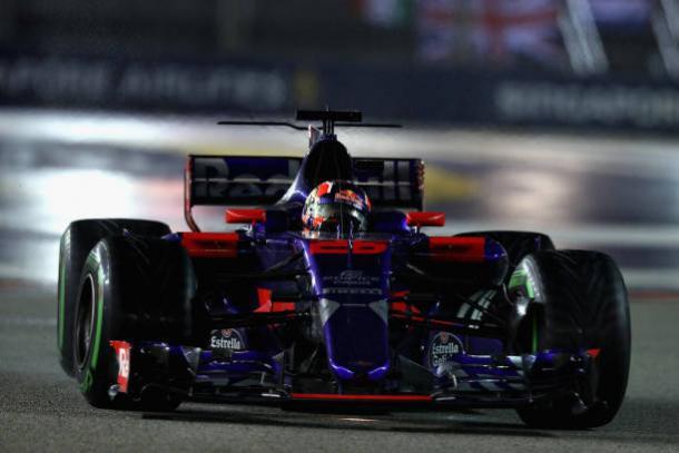 Daniil Kvyat volta à Toro Rosso após duas corridas e fica até o fim do ano (Foto: Mark Thompson/Getty Images)