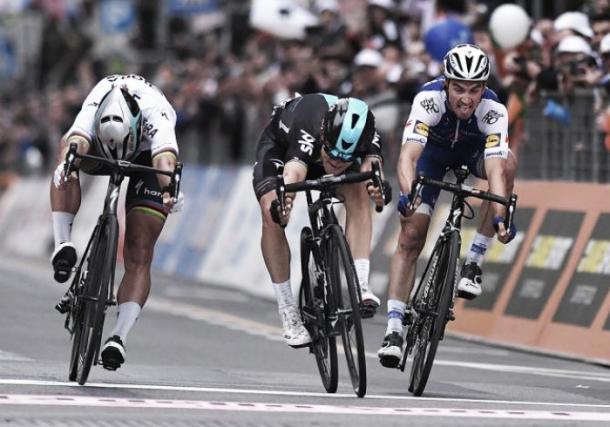 El ajustado sprint final de 2017   Fuente: Tim de Waele