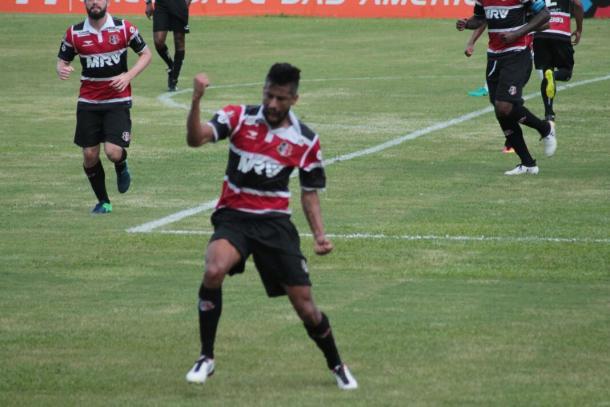 Atleta deixa o Mais Querido em vantagem (Foto: Ney Gusmão/VAVEL Brasil)