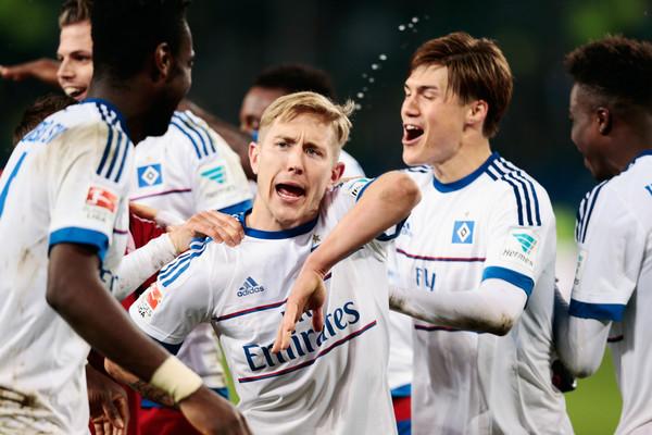 Holtby celebrates HSV's Nordderby victory. | Image credit: Oliver Hardt/Bongarts
