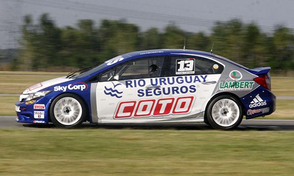 Honda Civic de Leo Larrauri. Foto: Revista Todo Fierro.