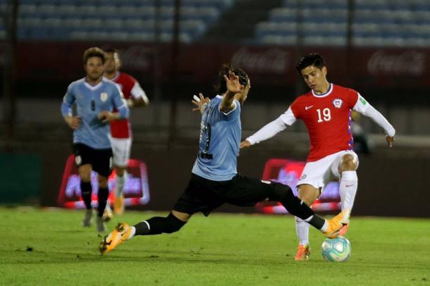 Uruguay obtuvo el triunfo en un duelo con polémica. Foto: @LaRoja