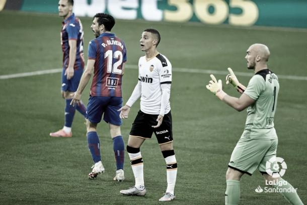 La desesperación de Rodrigo./ Foto: LaLiga Santander