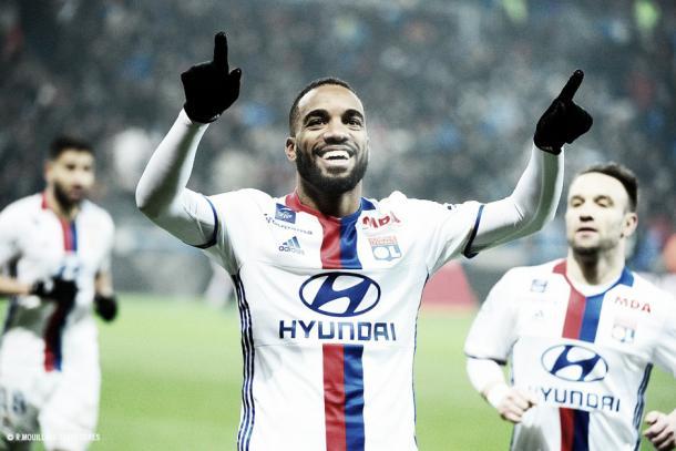 Lacazette el autor de dos de los tres goles. Foto: Sitio oficial Olympique de Lyon