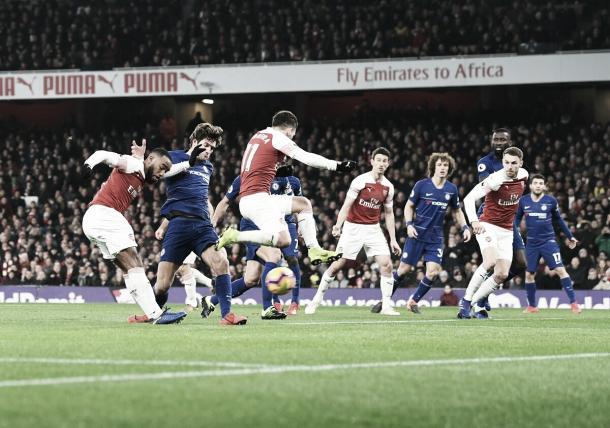 Em boa jogada de Lacazette, Arsenal abriu o placar (Reprodução / Arsenal)