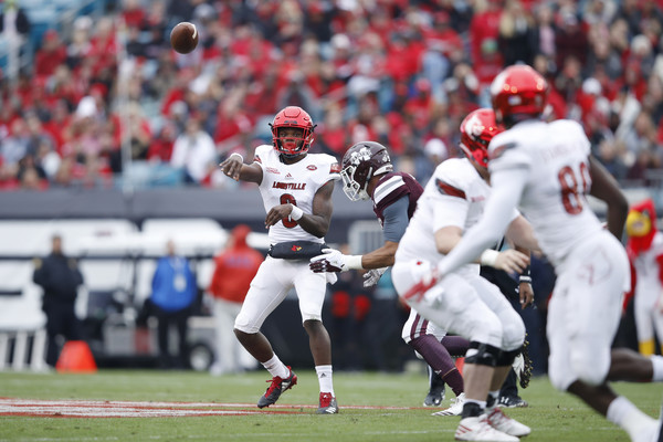 Lamar Jackson #8 of the Louisville Cardinals. |Dec. 29, 2017 - Source: Joe Robbins/Getty Images North America|