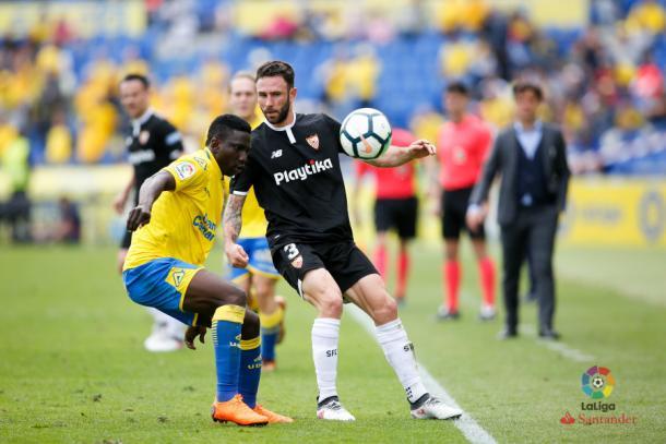 Miguel Layún en un partido frente a Las Palmas. Foto: La Liga