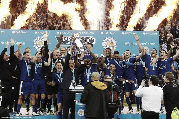 Above: Leicester City lifting the Premier League trophy after their 3-1 win over Everton | Photo: Graham Chadwick/Daily Mail