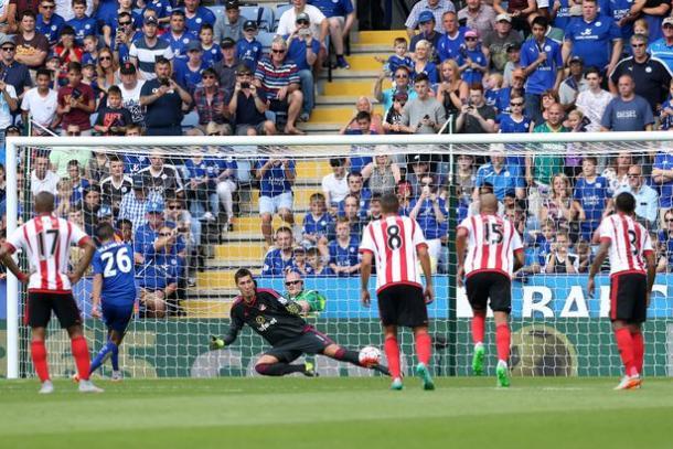 Mahrez marcó desde los once metros ante el Sunderland | Foto: Mirror