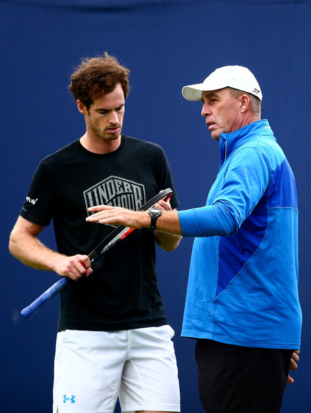 Lendl (right) talks with Andy Murray during a practice this week in London. Photo: Jordan Mansfield/Getty Images