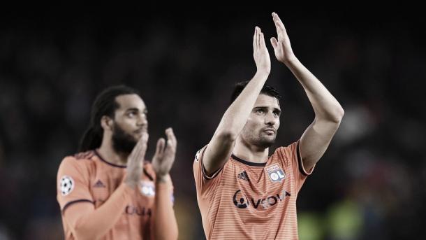 O francês Leo Dubois criticou a arbitragem e disse que o terceiro gol do Barcelona mudou os rumos da partida. (Foto: UEFA / Divulgação)