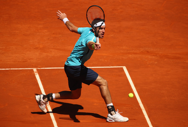 Leonardo Mayer in Mutua Madrid Open action. Photo: Clive Brunskill/Getty Images