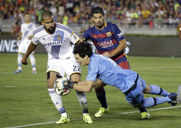 Leonardo (left) during an International Champions Cup match against FC Barcelona | Source: Jae C. Hong - AP Photo