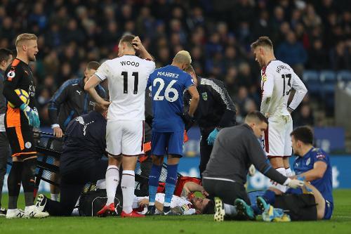 Momento en el que Brady y Maguire necesitan ser atendidos   Fotografía: Premier League
