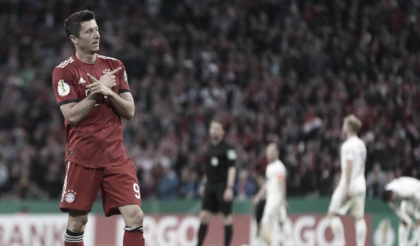 Lewandowski, la esperanza del gol para el Bayern | Foto: @FCBayern_ES