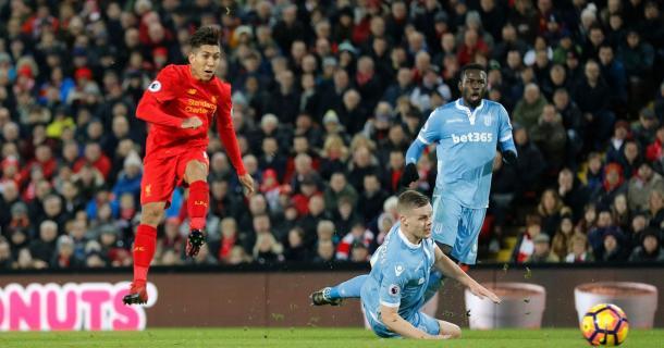 Tra Reds e Potters, ad Anfield, nella gara d'andata, finì 4-1 per i padroni di casa. | Fonte immagine: Mirror