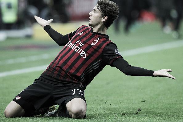 Locatelli celebra seu gol (Foto: Marco Luzzani/Getty Images)