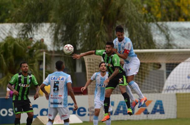 Londrina e América-MG seguem no equilíbrio e placar não sofre alterações (Foto: Gustavo Oliveira/Londrina)