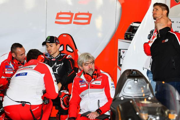 Lorenzo nel box Ducati, sportrider.com