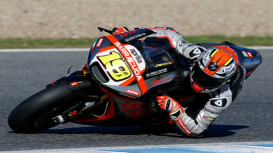 Bautista in action with Aprilia - www.planetadeport.es