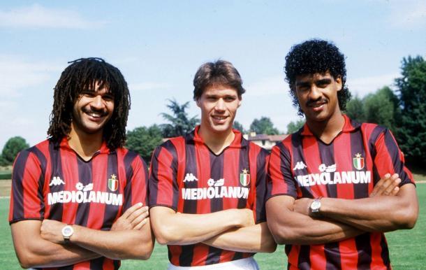 El trío de holandeses del Milan (Gullit, van Basten y Rijkaard). / Foto: zimbio.com