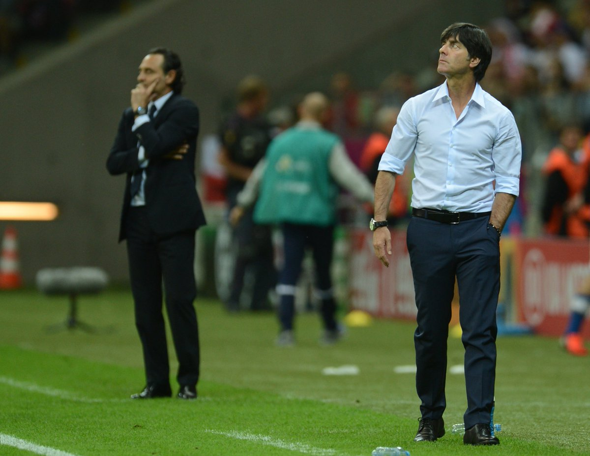 Löw durante un partido. FUENTE: UEFA EURO 2020