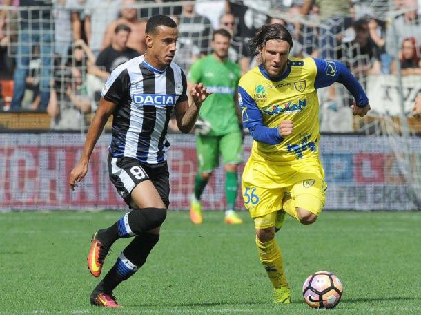 Lucas Evangelista nel match con il Chievo. Fonte: www.facebook.com/UdineseCalcio1896