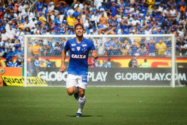 Lucas Silva tem confiança na qualidade do Cruzeiro para buscar a vaga (Foto: Vinícius Silva/Light Press/Cruzeiro EC)