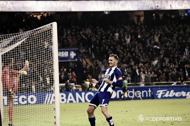Lucas Pérez celebra un gol ante el Celta de Vigo. Foto: RC Deportivo.