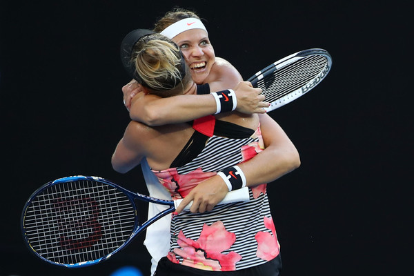 Bethanie Mattek-Sands and Lucie Safarova celebrating their victory in Melbourne | Photo: Clive Brunskill/Getty Images AsiaPac