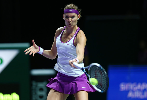 Lucie Safarova hits a forehand. | Photo: Clive Brunskill/Getty Images AsiaPac