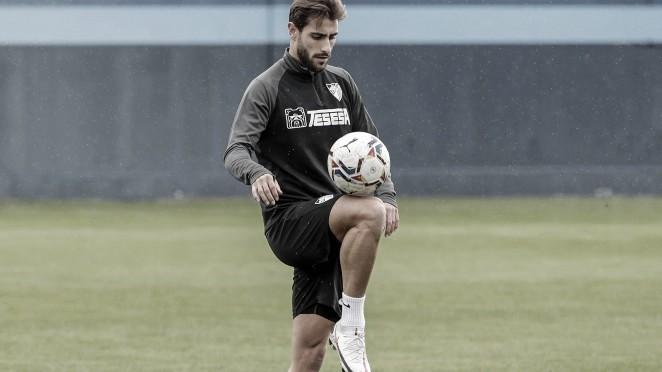 Luis Muñoz realizando ejercicios en el Anexo. / Foto: Málaga CF