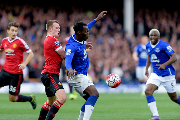 Lukaku challenges against Manchester United in October | Photo: Tony McArdle/Everton FC