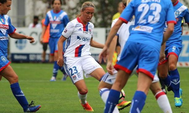 Camille Abily in action for Olympique Lyonnais | Photo: OL Web