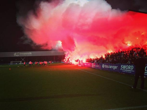 1,500 Lyon supporters at training on Saturday night. Source | StaditoFootball