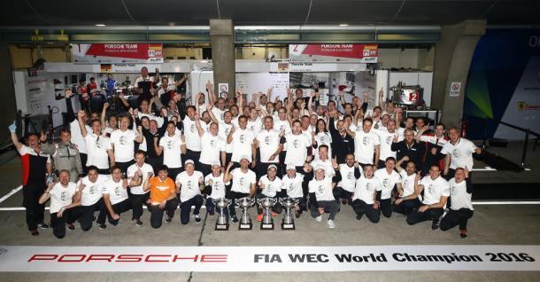 Vitória ficou mais fácil, após punição do Toyota #6. (foto: Porsche AG)