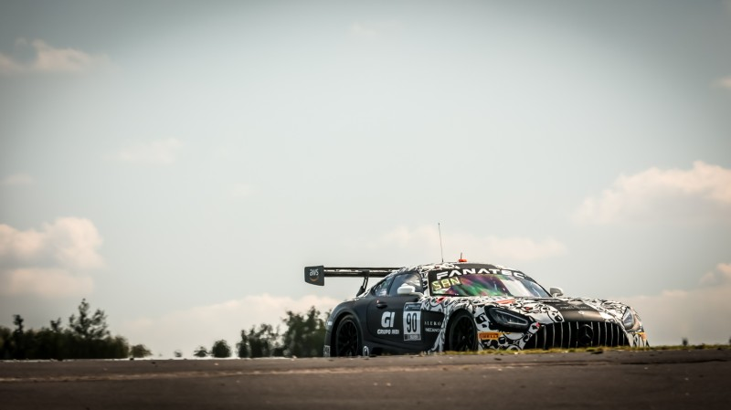 El argentino arriba del mercedes por Nurburgring: Foto Fanatec GT World