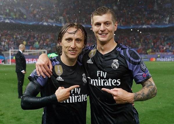 Modric y Kroos. Foto: UEFA