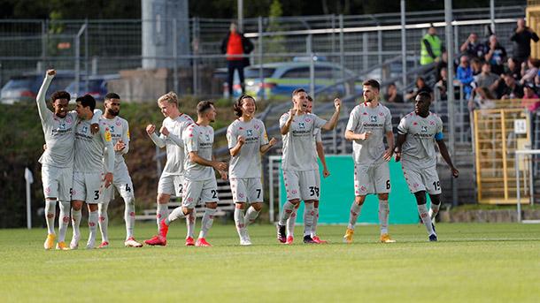 Festejo y alivio para los hombres del Mainz. / Twitter: Mainz 05 oficial