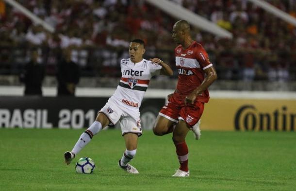 Tricolor jogou bem no primeiro tempo e chegou ao gol com Marcos Guilherme (Foto: Rubens Chiri / saopaulofc.net)