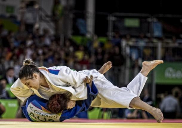 Mayra Aguiar conquista a primeira medalha de bronze para o Brasil (Foto: Reprodução/CBJ