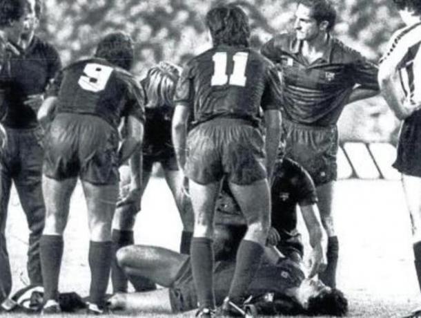 Migueli y Maradona lesionado (foto:mundodeportivo)