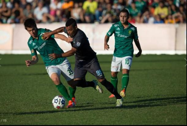 A Minnesota player battles for the ball during last june's matchup. (Minnesota United FC Media Relations)