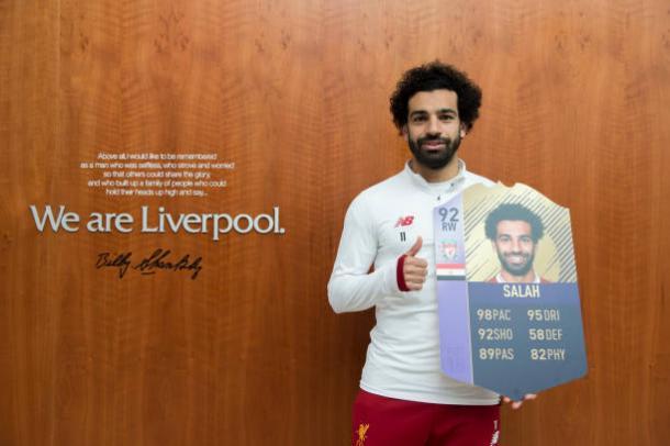 """Salah foi eleito o melhor jogador de fevereiro da PL e recebeu uma """"carta"""" especial no simulado virtual FIFA 18 (Foto: Nathan Stirk / Getty Images Sport)"""