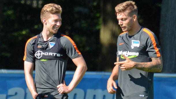 Mitchell Weiser with new Hertha BSC team-mate, Alexander Esswein. | Image credit: Hertha BSC