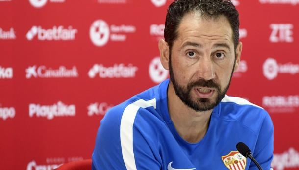 Machín en rueda de prensa   Foto: Sevilla FC