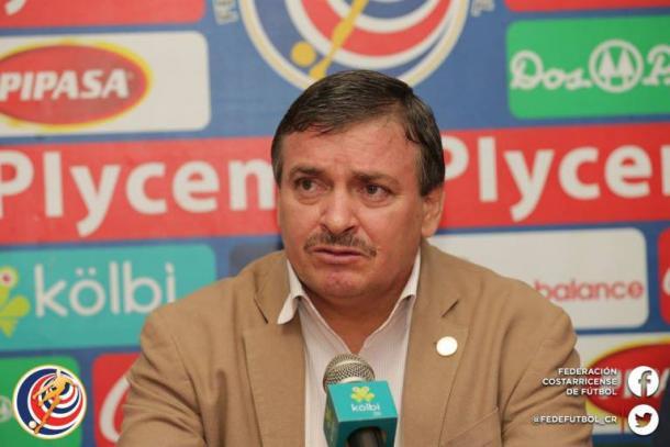 Oscar Ramírez en conferencia