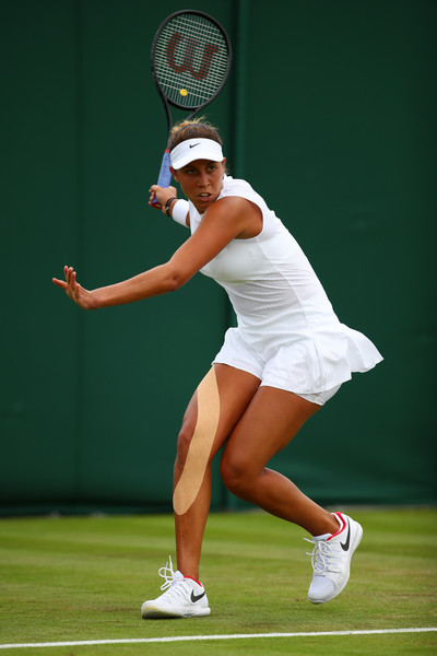 Madison Keys hits a forehand during today's match | Photo: Clive Brunskill/Getty Images Europe