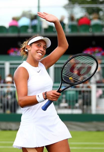 Madison Keys applauds the crowd after the win | Photo: Clive Brunskill/Getty Images Europe