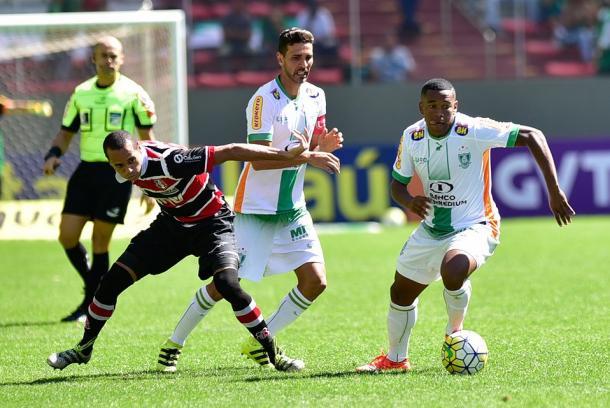 Mais Querido levou a melhor no jogo do primeiro turno (Foto: Mourão Panda/América-MG)